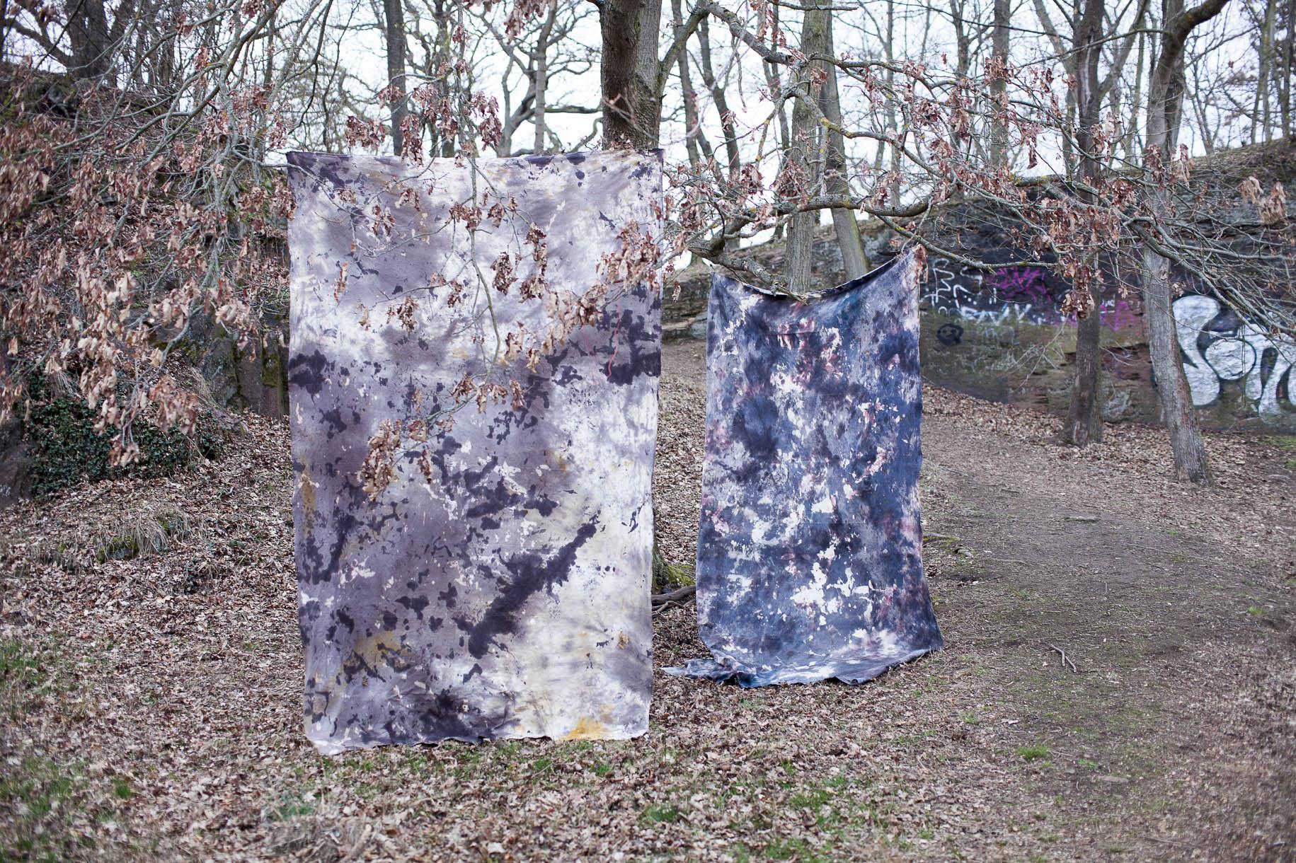 soft rocks_jew. 400x270cm_Baumwolle, Textilfarbe, Bienenwachs, Metallösen